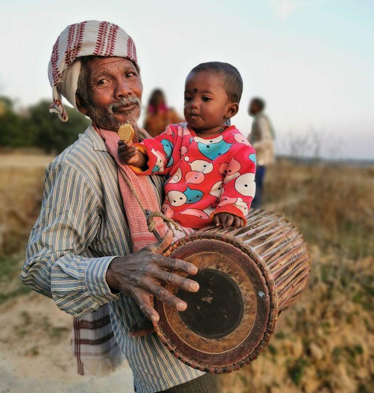 Indien indigene Trommel Mann