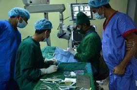 Bangladesch: Augenoperation in einem Hospital des Flüchtlingscamps