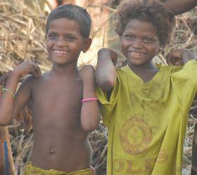 Indien Musahar Kinder lachen