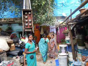 Frauen Indien Slum Corona
