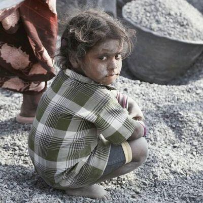 Steinbruch Kinderarbeit Indien Kind